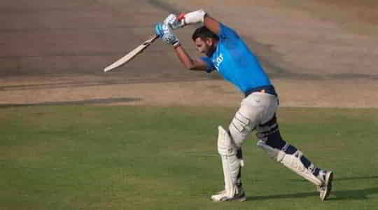 1429026604strategy-of-team-india-against-england-in-pink-ball-test.jpg
