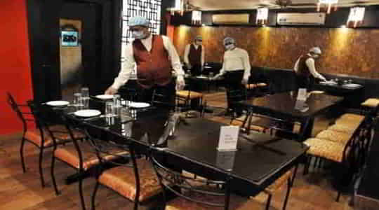 1542083888Maharashtra_Government_allows_hotels,_restaurants_to_operate_till_10_pm_from_15th_August.jpg