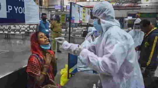 1806996829coronavirus-india-about-3-lakh-new-cases-in-20-hours-2023-lives-lost.jpg
