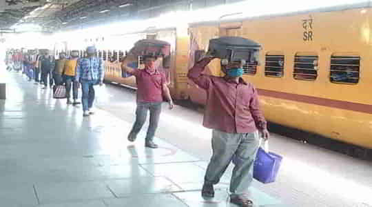 2031285718shramik-special-trains-know-what-indian-railways-says.jpg