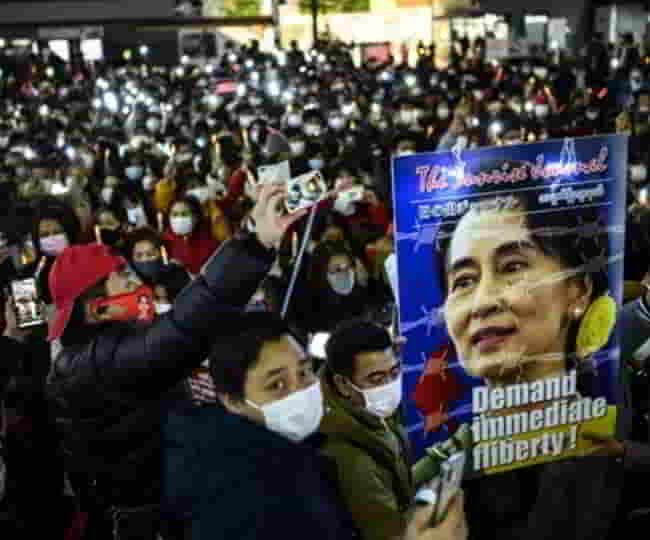 568732113myanmar-security-forces-kill-13-protesters.jpg