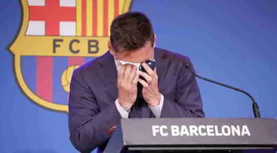 674558585Emotional-Lionel-Messi-says-his-goodbyes-to-FC-Barcelona.jpg