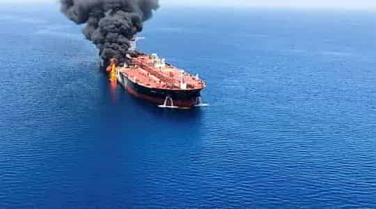 890581333explosion-strikes-in-israeli-owned-ship.jpg